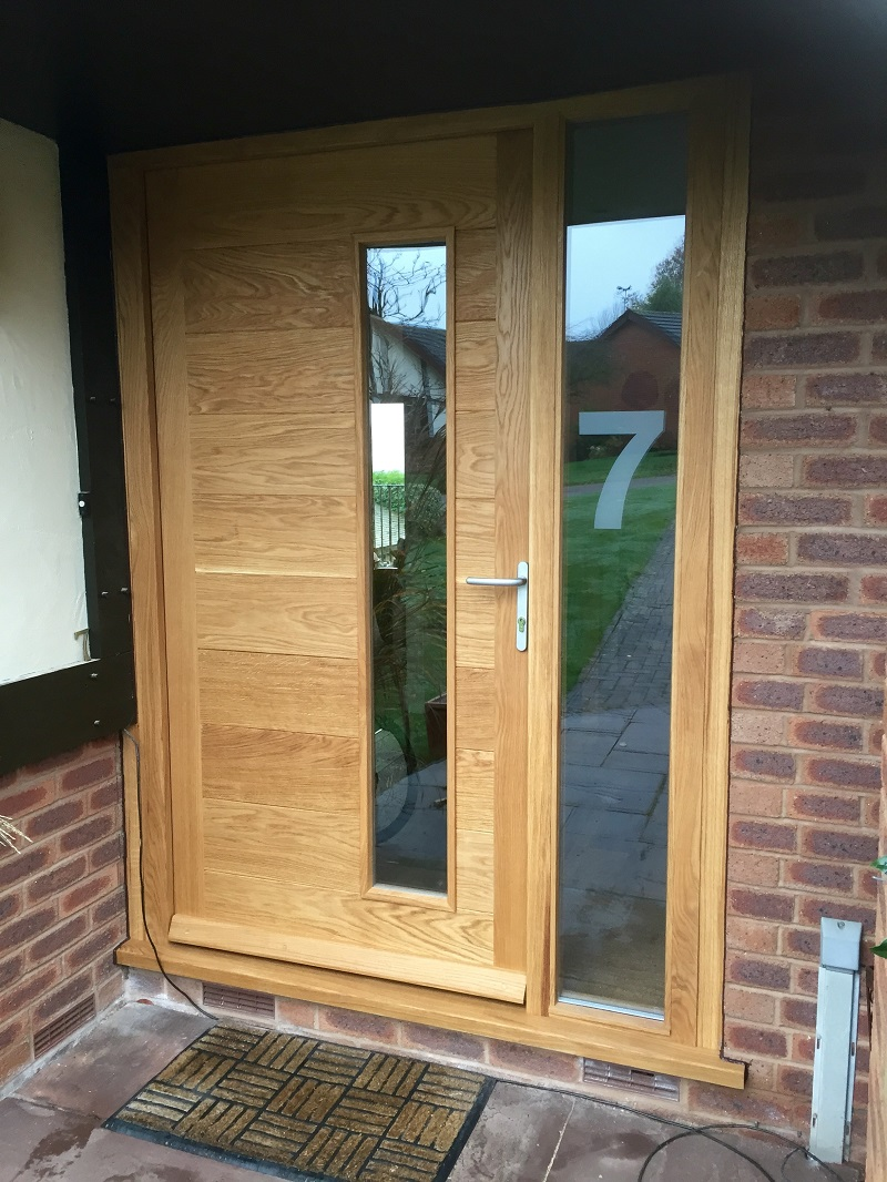 Feature doors a reclaimed oak feature door with stained for Exterior side entry doors